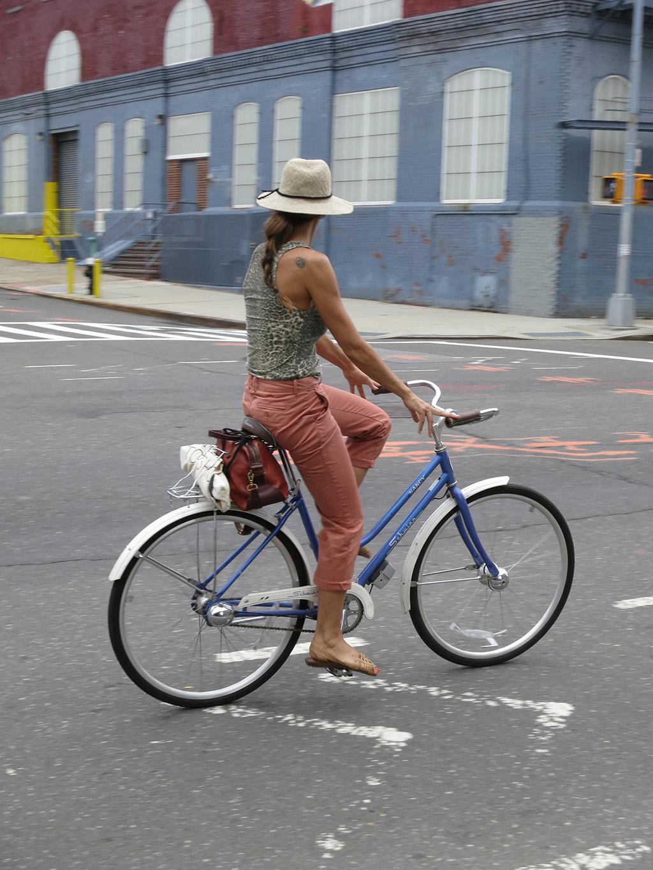 navyyard_cyclist